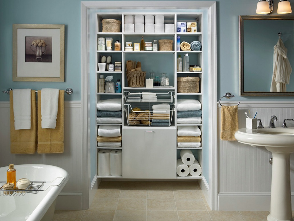 Awesome-Organization-Bathroom-Ideas-With-Classic-White-Bathtub-And-Blue-Wall-Colors-Towel-Hanging-Design